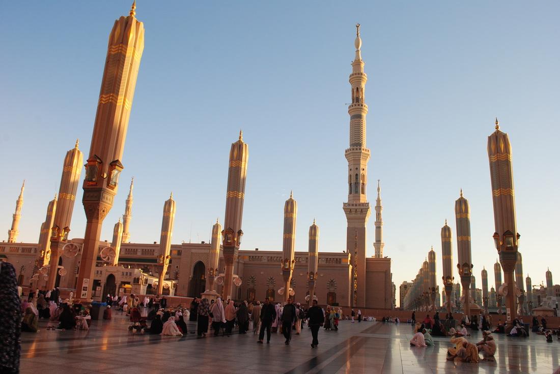 Payung Masjid yang Tertutup, sumber : On Earth